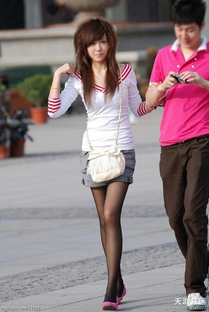 哈尔滨美女街拍还是东北妹纸漂亮mop