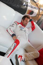 Loeb: a relaxed superhero